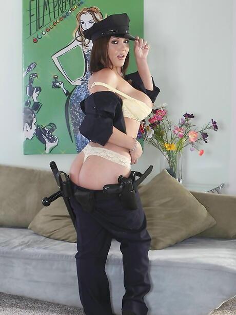 Police Booty Pics