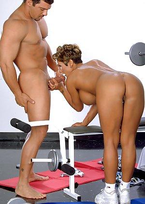 Big Dick in Booty Pics
