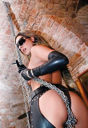 BDSM Booty Pics