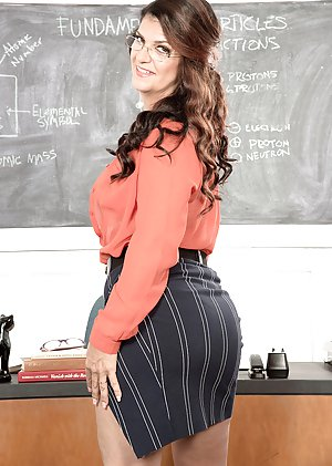 Big Booty Teacher Pics